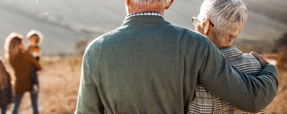 Welke rechten heeft de langstlevende echtgenoot nog op een schenking aan kinderen?